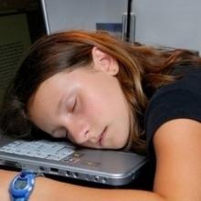 睡觉流口水竟然暗示这些疾病的发生