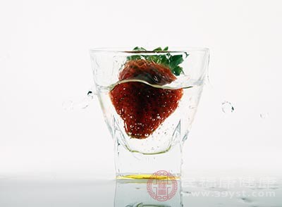 草莓的功效 吃这种食物能够避免掉发