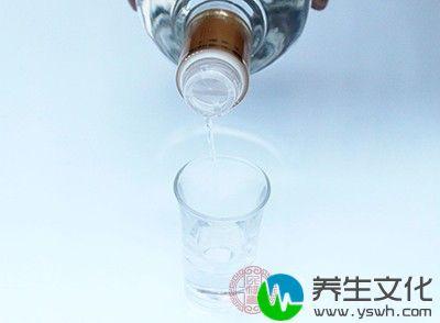 一般而言,酒精浓度含量越高的酒类,其所含的热量则越高