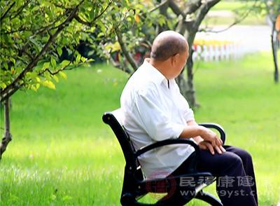 老人失眠怎么办 适量运动可以缓解这个症状
