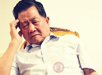 老人失眠怎么办 适宜的环境能改善这个问题