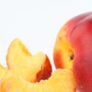 夏季人气水果桃子 润肠通便好处多